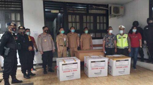 Polres Minahasa Kawal Penyaluran Sinovac Vaksin Covid-19